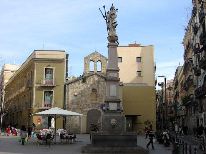 Estàtua de Santa Eulàlia - Plaça del Padró