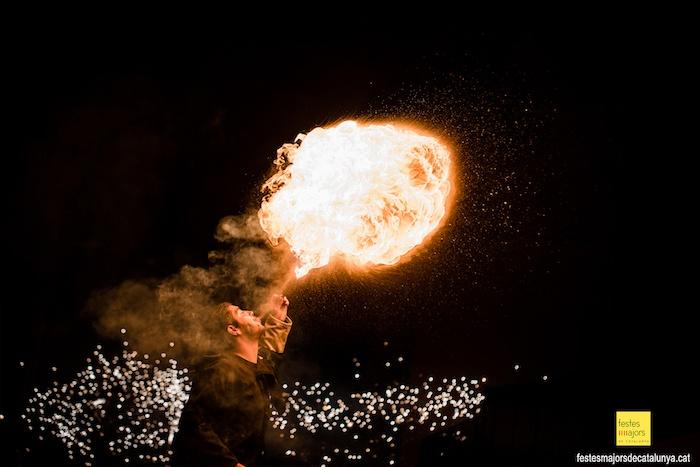 FOTOGRAFIA PER ESDEVENIMENTS -DIABLES DE TORRELLES - FESTA DE LA CIRERA