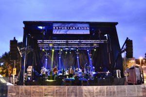 escenaris - escenari cobert - Runstage